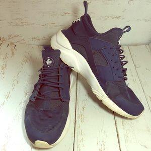 Nike Air Huarache Running Shoe